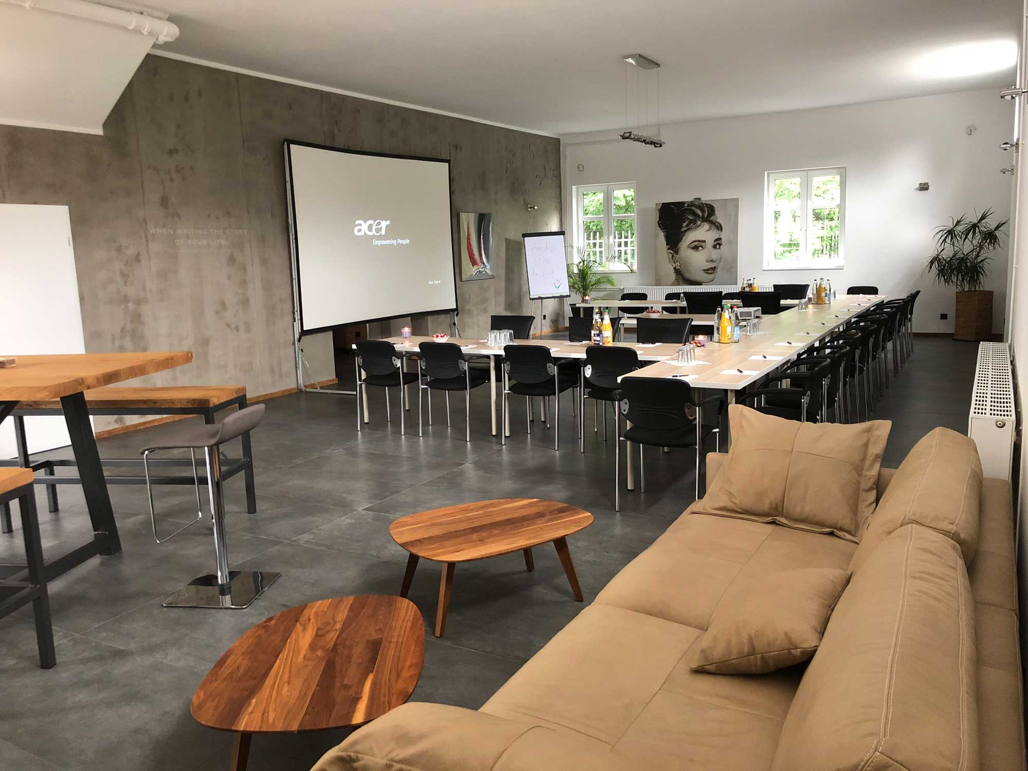 Konferenzraum der Ahlden Edelmetalle GmbH aus Walsrode